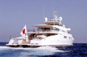 Larry Ellisons Megayacht Katana underway