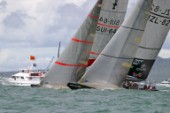 Start line race 5 Alinghi ahead of team new zealand