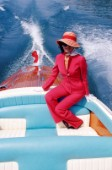 Donna a bordo di un motoscafo RivaWoman on board of Riva motorboat. Ph.Carlo Borlenghi /