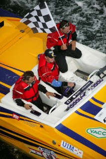 Winning flat at the Powerboat P1 World Championships 2005 - Travemunde, Germany