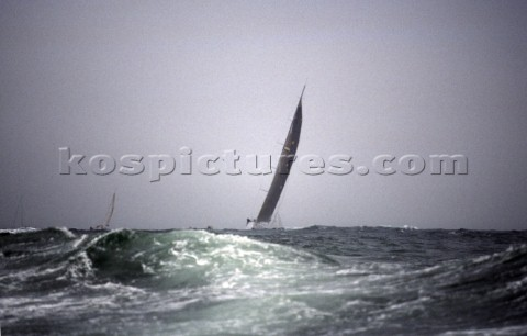 Rolex Fastnet Race 2001 The Solent Cowes Isle of Wight UK Organised by the RORC the race starts in C