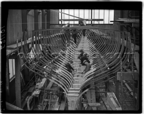 Building of a large yacht at Camper and Nicholsons in 1939 in Southampton