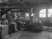 Women machining sails at Ratsey & Lapthorn sailmakers in 1930