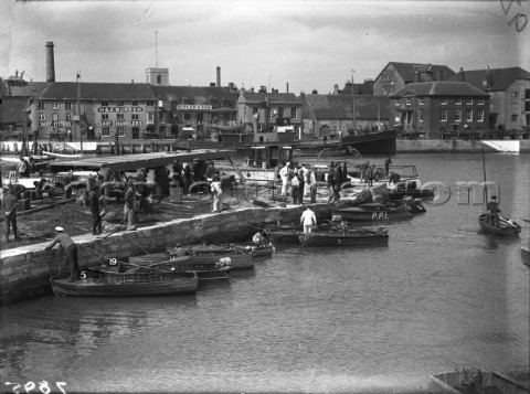 Powerboat races in Poole UK sponsored by Yachting World in 1930