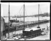 General view across the Camper and Nicholsons yard including a 4M schooner in the 1930s